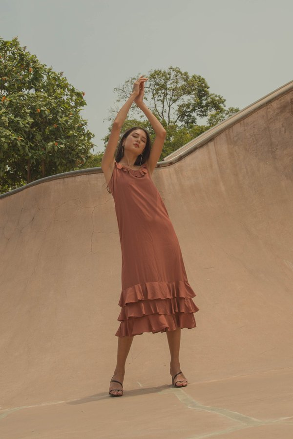 Oasis Maxi in Brick Red