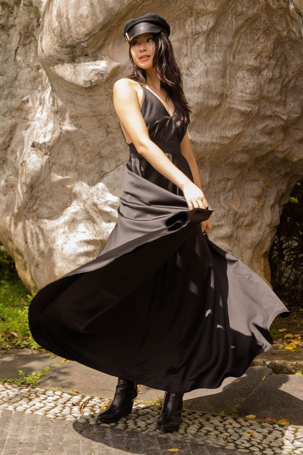 Moonlight Maxi in Black