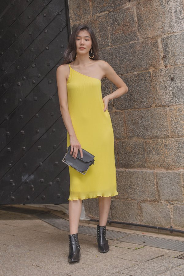 Oh Pleats Midi in Cyber Yellow