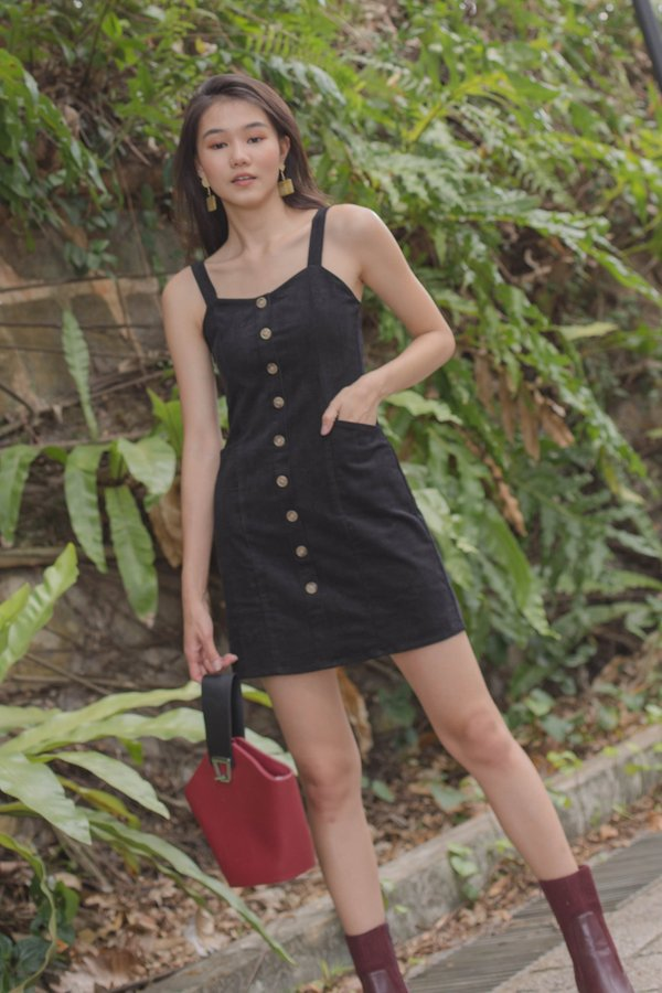Weekend Affair Dress in Black