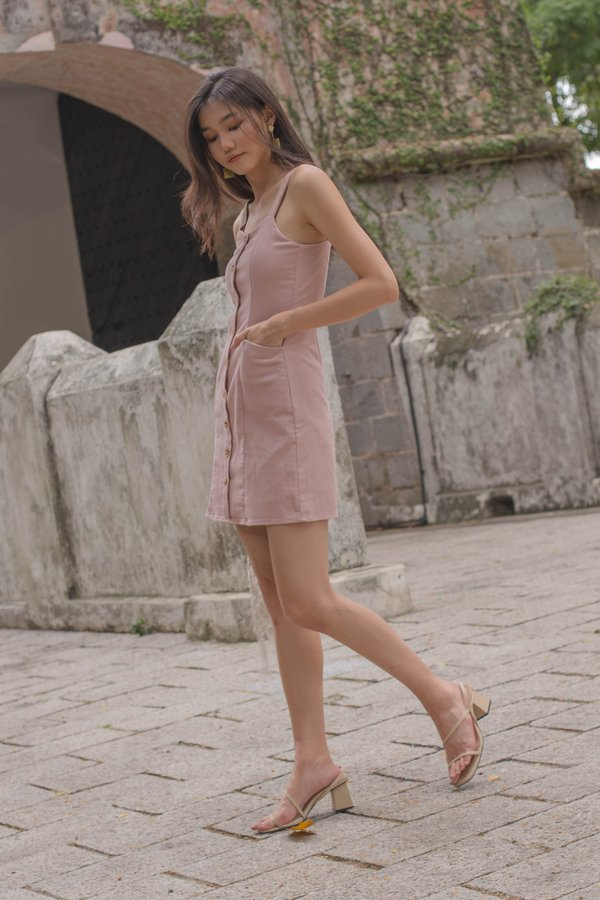 Weekend Affair Dress in Blush Pink